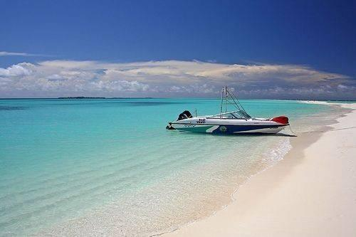 Lhaviyani Atoll1