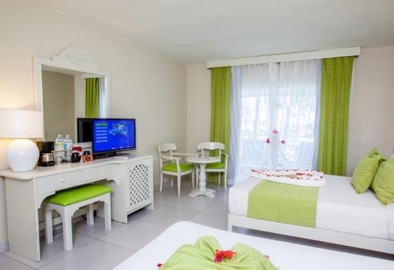 t1-vista-sol-punta-cana-beach-resort-225798.jpg