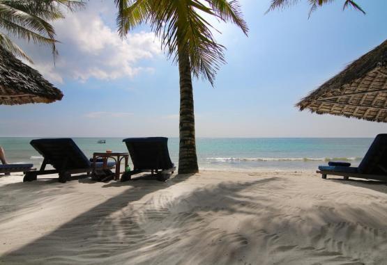 t1-leopard-beach-resort-and-spa-231222.jpg