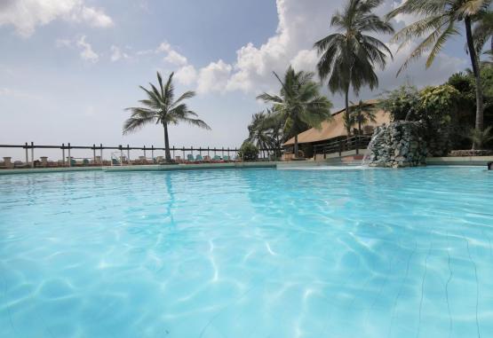 t1-leopard-beach-resort-and-spa-231223.jpg