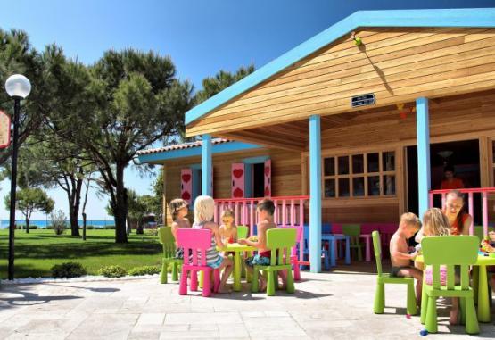 t1-batihan-beach-resort-spa-233930.jpg