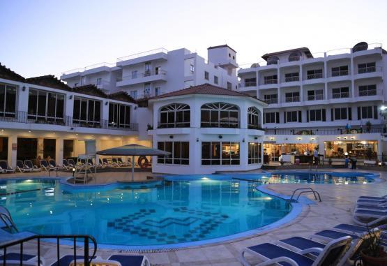 t1-minamark-beach-resort-241622.jpg