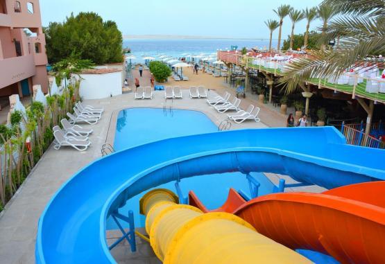t1-minamark-beach-resort-241624.jpg