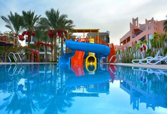 t1-minamark-beach-resort-241625.jpg