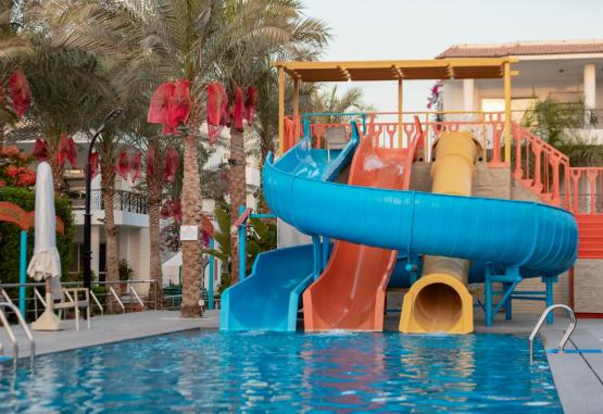 t1-minamark-beach-resort-241627.jpg