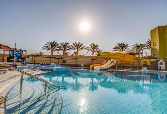 t1-palm-beach-resort-243217.jpg