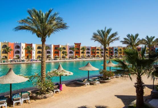 t1-arabia-azur-resort-246103.jpg