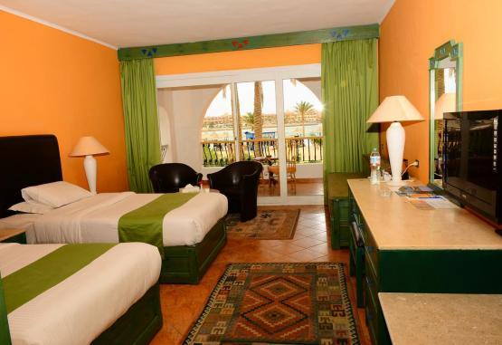 t1-arabia-azur-resort-246104.jpg