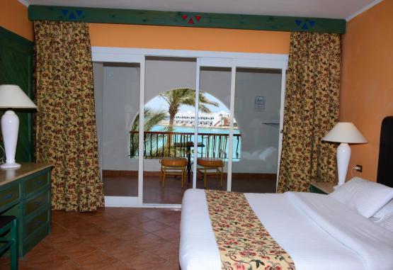 t1-arabia-azur-resort-246107.jpg