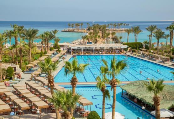 t1-arabia-azur-resort-246109.jpg