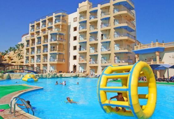 t1-sphinx-aqua-park-beach-resort-244966.jpg