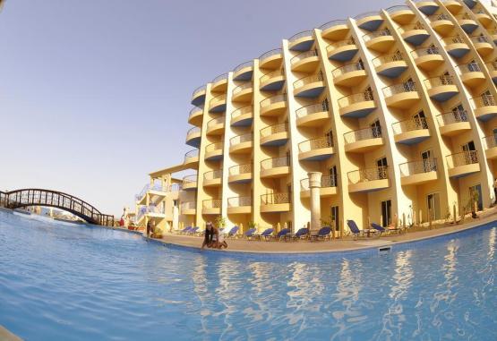 t1-sphinx-aqua-park-beach-resort-244967.jpg