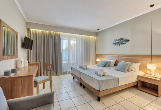 t1-contessa-hotel-261204.jpg