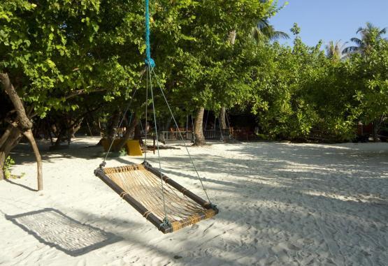 t1-embudu-village-resort-256608.jpg