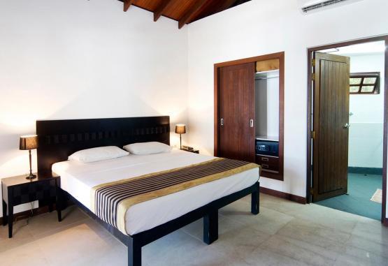 t1-embudu-village-resort-256609.jpg
