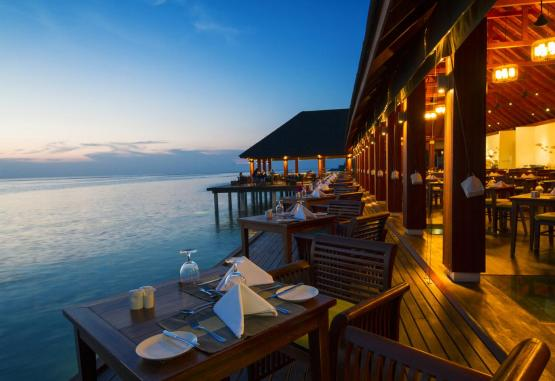 t1-summer-island-maldives-resort-256652.jpg