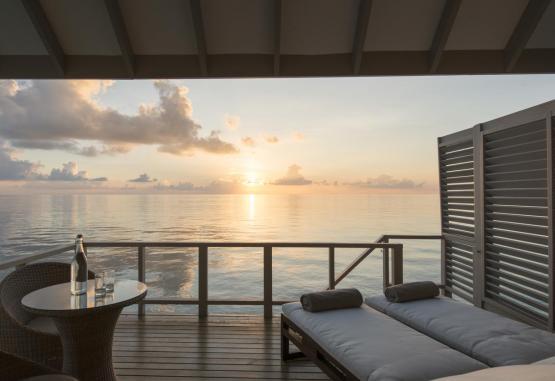 t1-summer-island-maldives-resort-256654.jpg