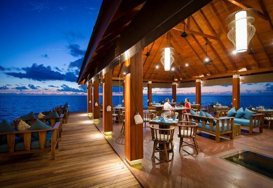 t1-summer-island-maldives-resort-256661.jpg