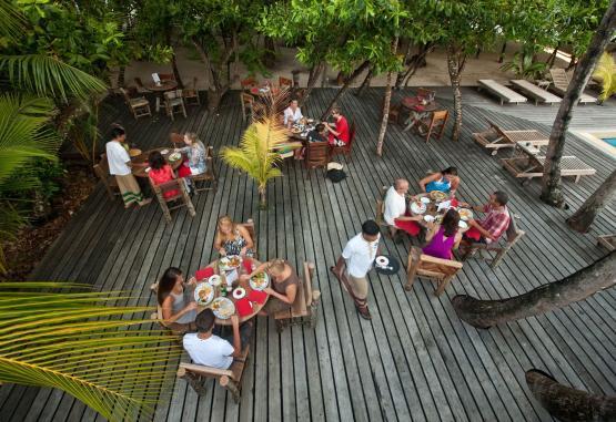 t1-reethi-beach-resort-265014.jpg