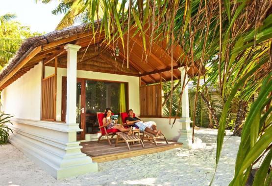 t1-reethi-beach-resort-265015.jpg