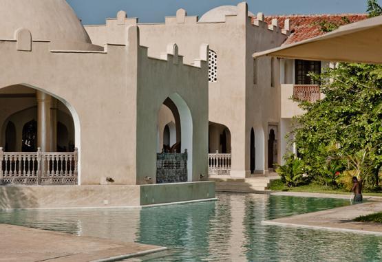 t1-swahili-beach-resort-268085.jpg
