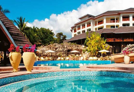 t1-diani-reef-beach-resort-spa-268123.jpg