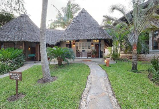 t1-baobab-beach-resort-268125.jpg