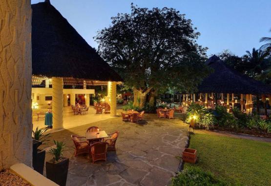 t1-baobab-beach-resort-268133.jpg