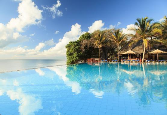 t1-baobab-beach-resort-268135.jpg