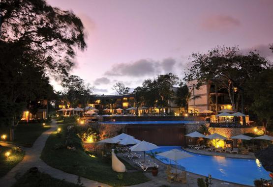 t1-baobab-beach-resort-268136.jpg