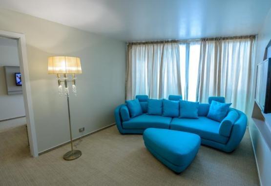 t1-hotel-turquoise-214881.jpg