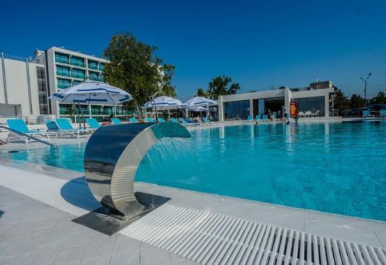 t1-hotel-turquoise-214884.jpg