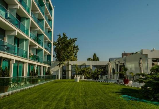 t1-hotel-turquoise-214885.jpg