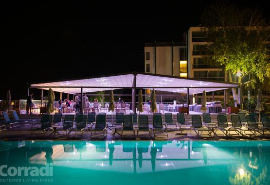 t1-hotel-turquoise-270242.jpg