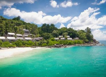 Carana Beach Hotel
